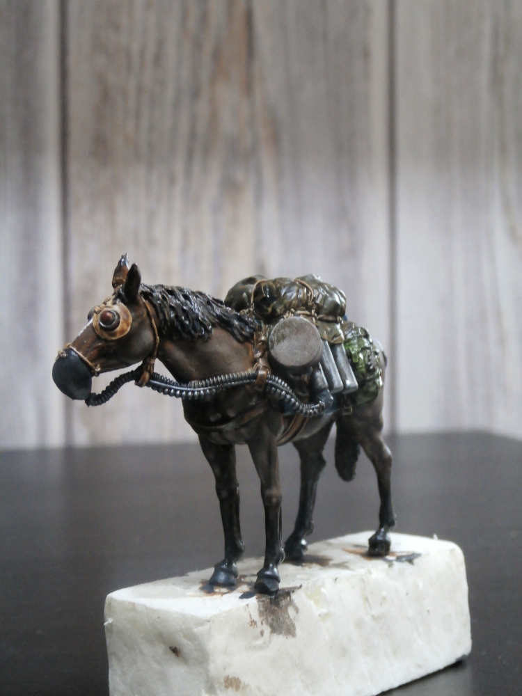 Survivant avec son cheval - figurine Kellerkind Miniaturen - 1/35 (FINI) P7140017