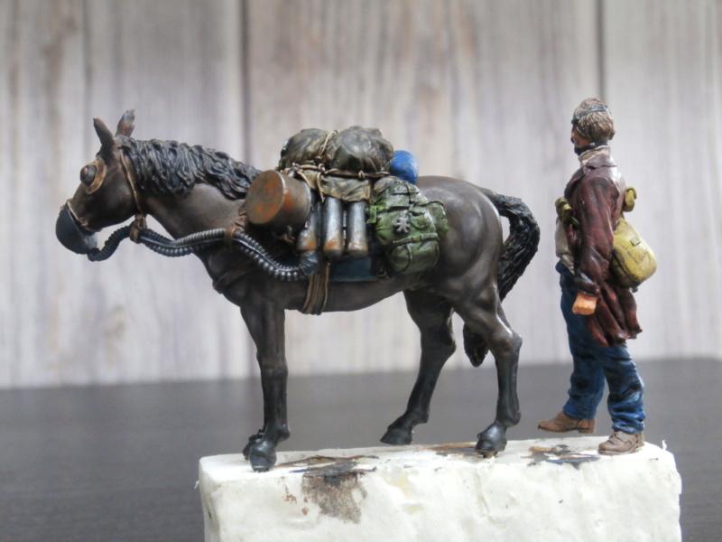 Survivant avec son cheval - figurine Kellerkind Miniaturen - 1/35 (FINI) P7150013