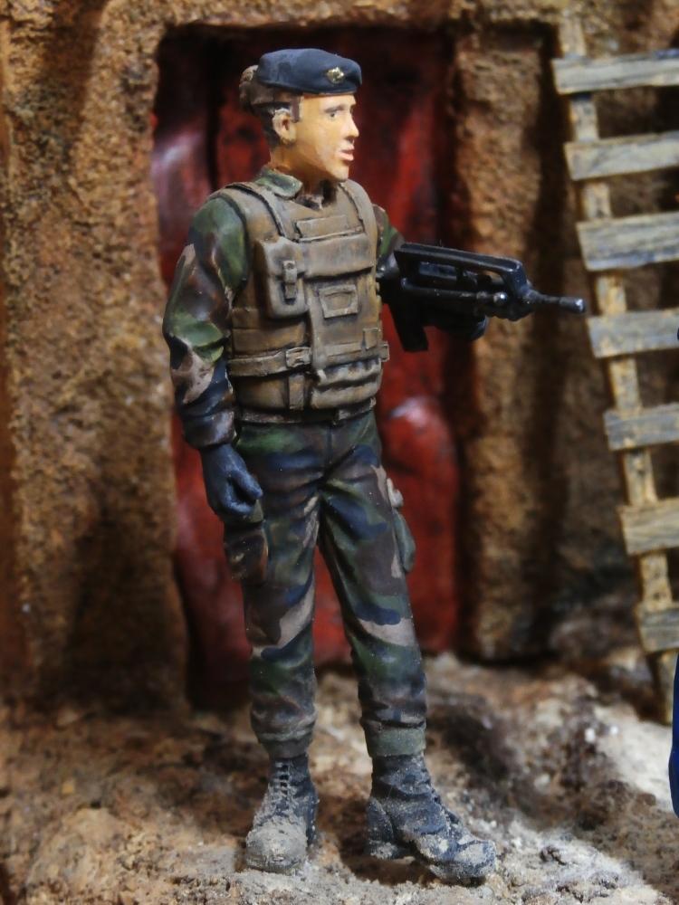 Afghanistan scène 1 - Figurines Djitis Production + figurine Meng 1/35 (FINI) - Page 2 P7170022