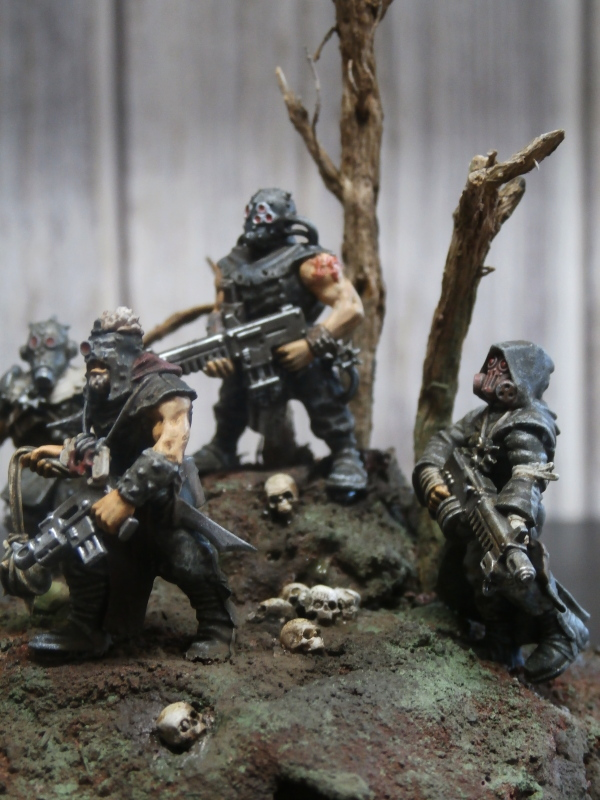 Cultistes du chaos - figurines Warhammer 30mm (FINI) - Page 2 Pa130012