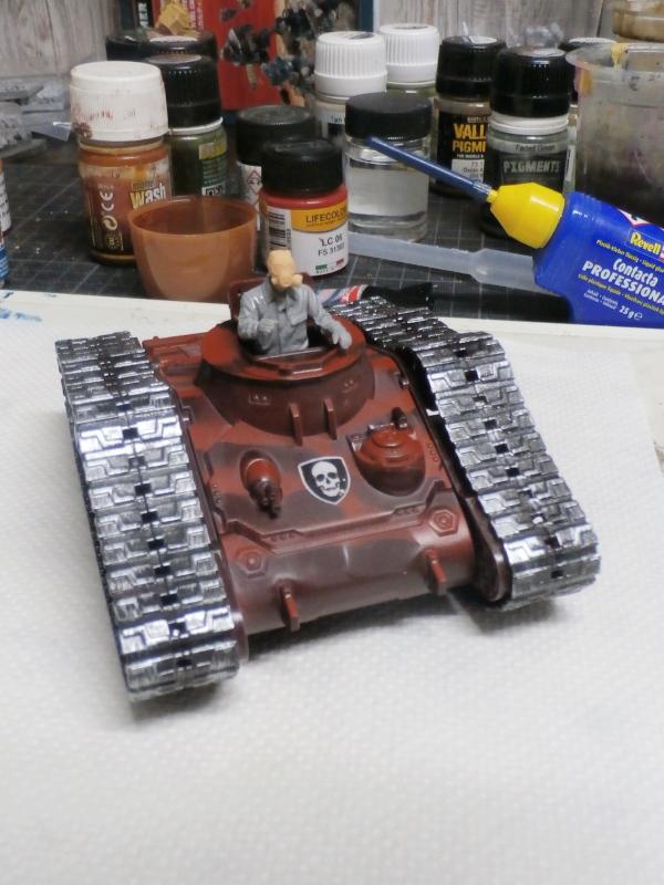 Zombie War scratch 1/35 (FINI) Pa180012