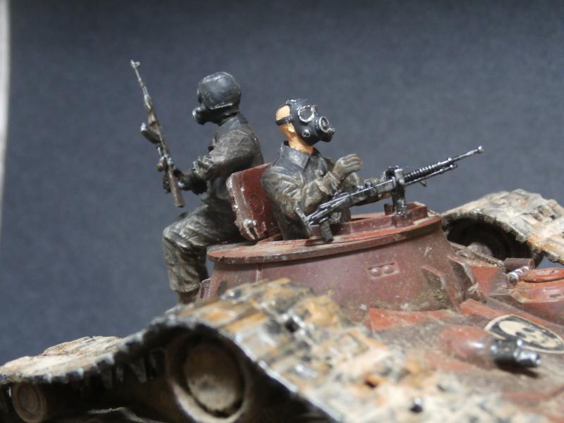 Zombie War scratch 1/35 (FINI) Pa250013