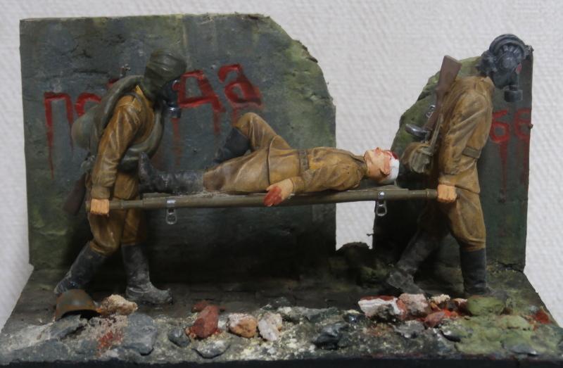 Infirmiers soviétiques 1/35 (Zwezda) FINI Pc080010