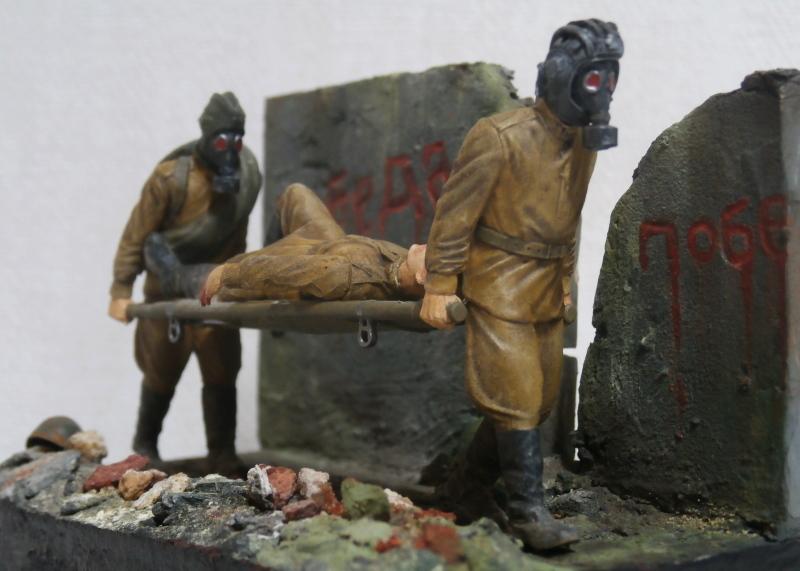 Infirmiers soviétiques 1/35 (Zwezda) FINI Pc080011