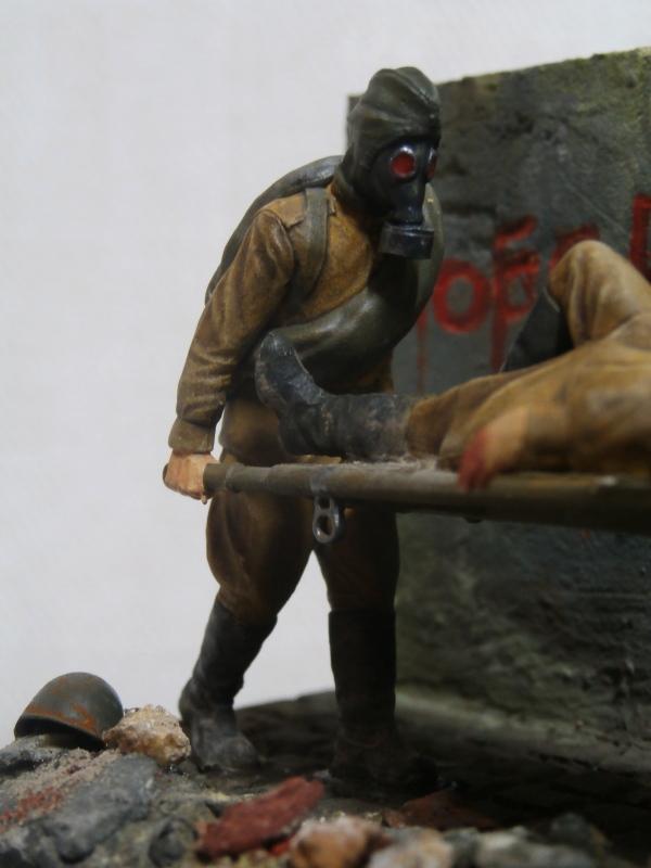 Infirmiers soviétiques 1/35 (Zwezda) FINI Pc080013