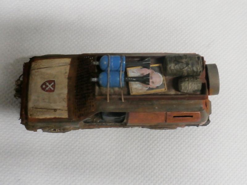 SUV Takom 1/35 (FINI) Pc140014