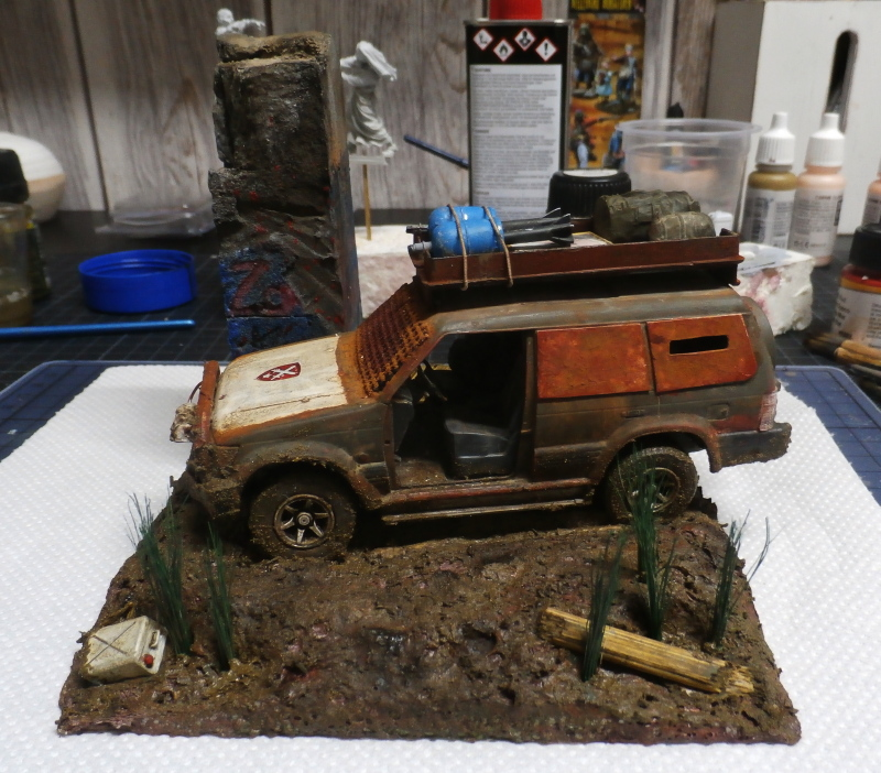 SUV Takom 1/35 (FINI) Pc180014