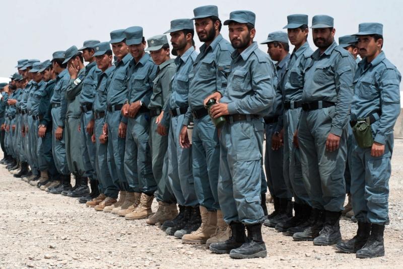 Afghanistan scène 1 - Figurines Djitis Production + figurine Meng 1/35 (FINI) Police11