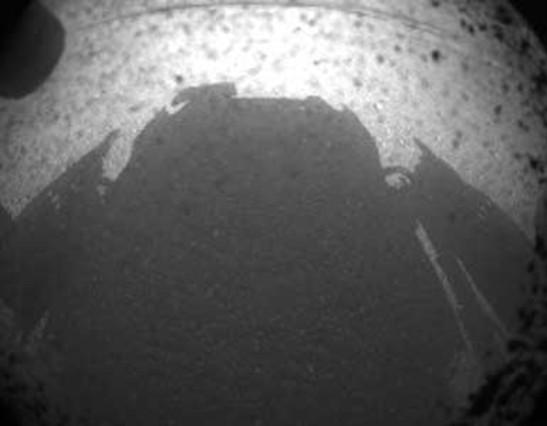 El aterrizaje del Curiosity en Marte y sus primeras imágenes Sombra11