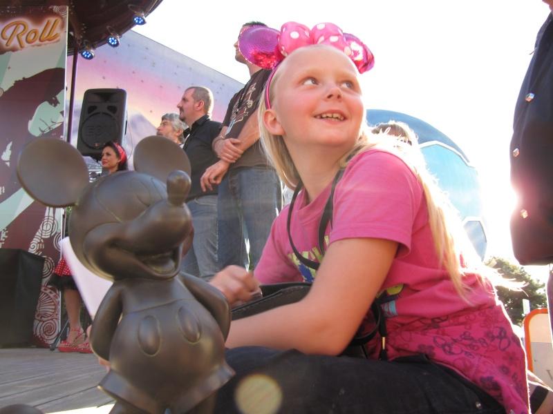 Appel !!! Festival Rock'N'Roll à Disney Village 2012 - Page 3 Img_4011