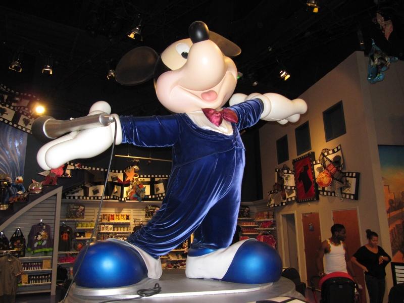 Appel !!! Festival Rock'N'Roll à Disney Village 2012 - Page 3 Img_4015