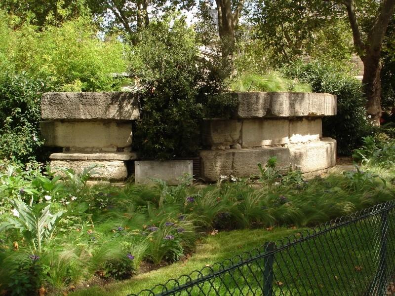 Article sur les restes de la Bastille Bd_hen10