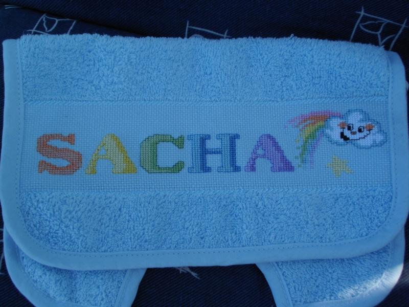 Un petit bavoir pour Sacha Dsci1410