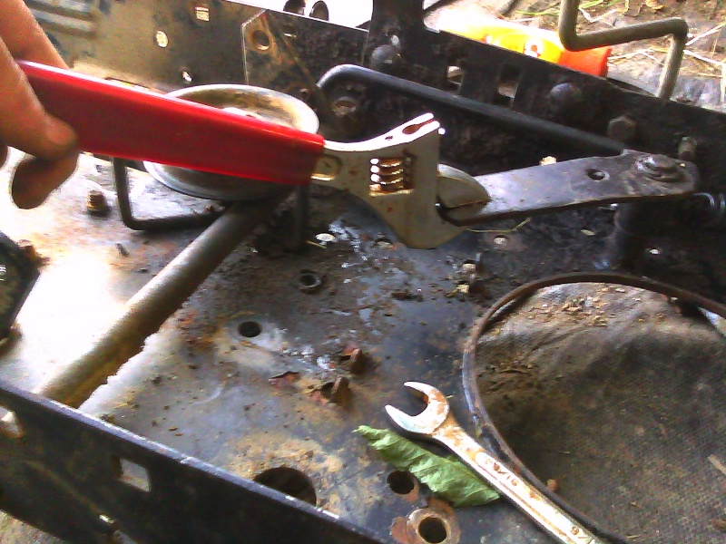Pulled my Parents Craftsman out of the weeds.... for the 12th time now Cimg0413