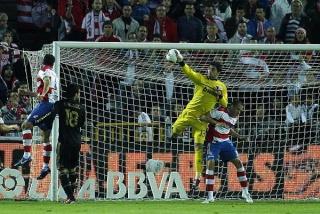 ريال بيتيس يريد آدان لعام 2013  13401810