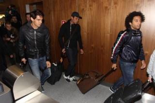 ريكاردو كاكا ومارسيلو وصلوا إلى البرازيل   25138410