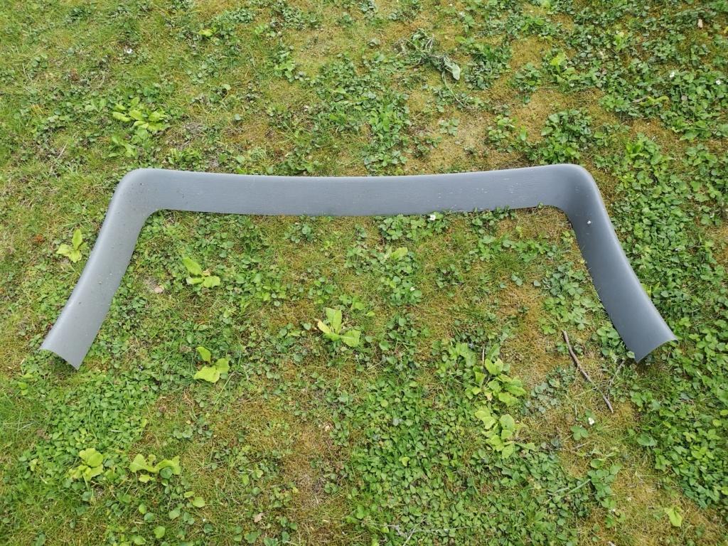 S4 Plastique encadrement vitre hayon coffre gris Img_2025