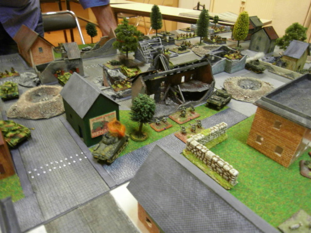 CAMPAGNE Flames of War MARKET-GARDEN - Page 14 Sdc10812