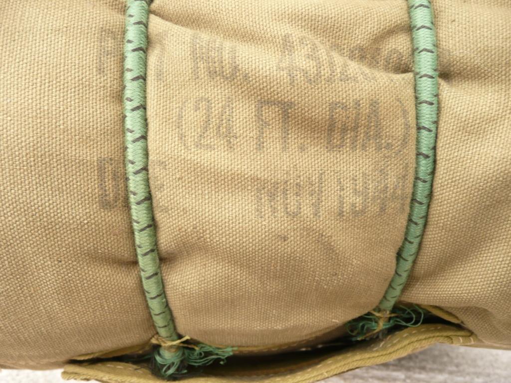 parachute ventral A4 11/44 P1040539