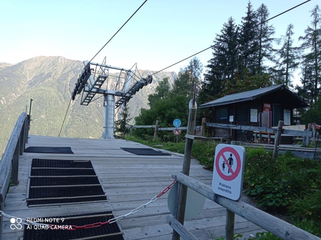 Télésiège à attache fixe 2 places (TSF2) de Glacier Bossons Img_2015