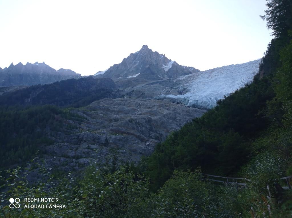 Télésiège à attache fixe 2 places (TSF2) de Glacier Bossons Img_2021