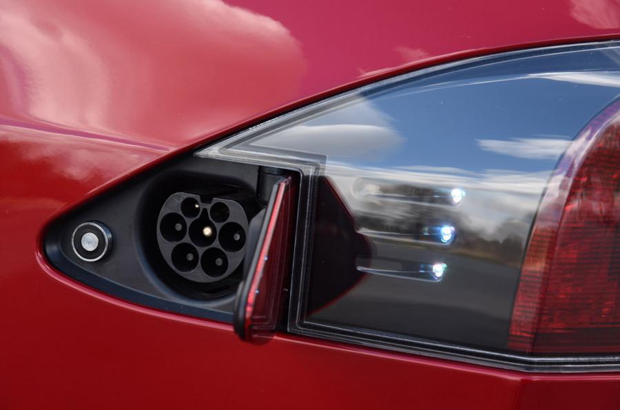 Maserati Ghibli Hybrid  - Pagina 6 Tesla-10