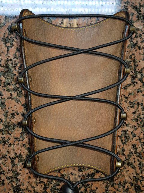 Un brassard motif Celtique et sa ceinture 35546611