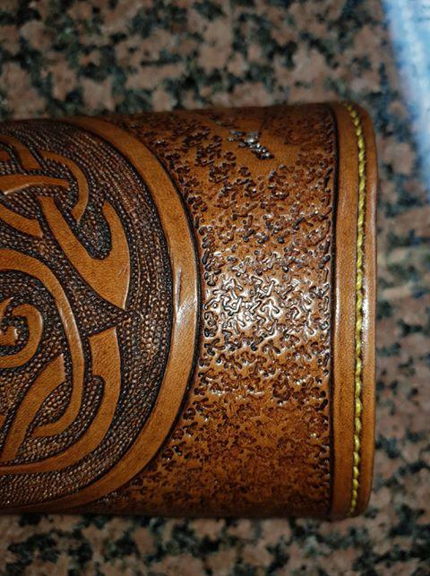 Un brassard motif Celtique et sa ceinture 35990511