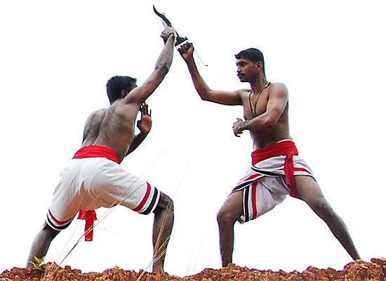 Urumi, le sabre flexible du Kalaripayat 9bf46d10