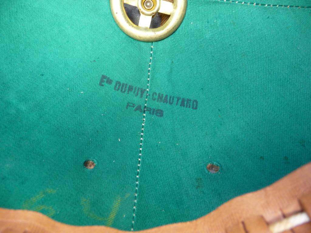 Estimation casque colonial gendarmerie?? P1240472