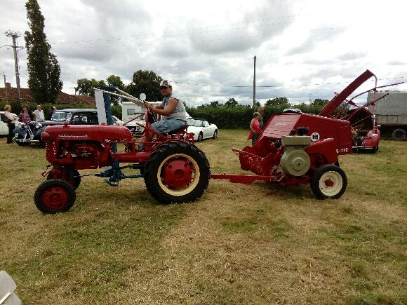 TRACTEUR - nouveau tracteur...IH 137 Img_2058