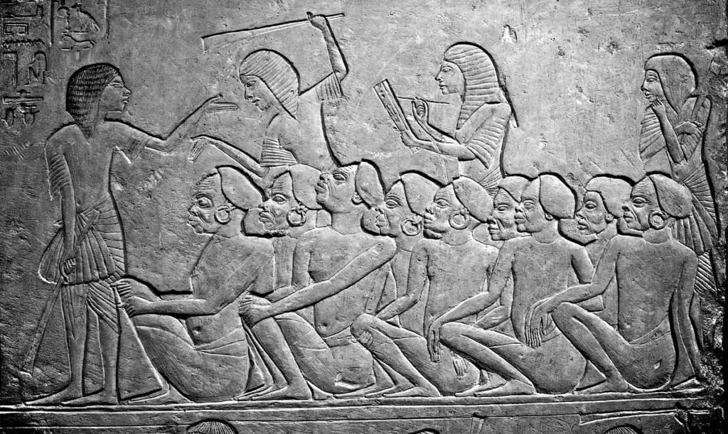 Les pyramides égyptiennes - Page 5 Slave_10