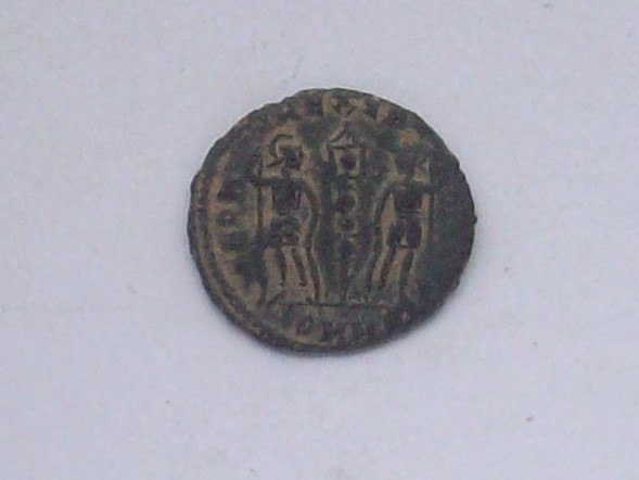AE4 de Constantino I. GLORIA EXERCITVS. Heraclea  102_4516