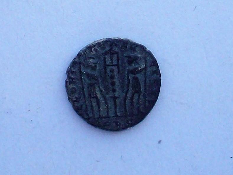 AE4 de Constante. GLORIA EXERCITVS. Lyon 102_4571