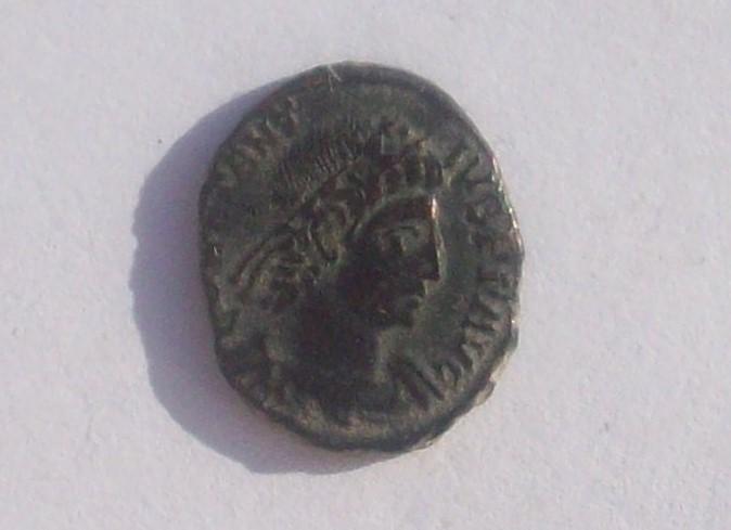 AE4 de Constancio II. VICTORIAE DD AVGG Q NN. Aquilea 102_4714