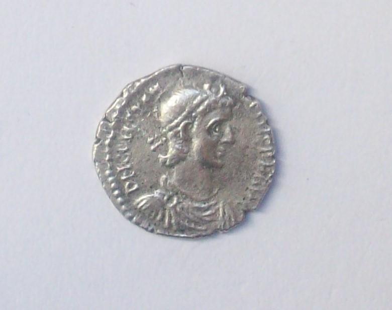 Siliqua engendro. Constancio II de anv. y Gordiano III de rev. Falsificación 102_4824