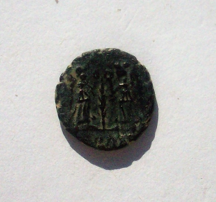 AE4 de Constancio II. VICTORIAE DD AVGG Q NN 102_4829