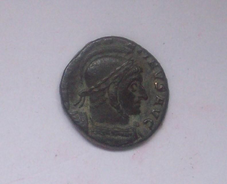AE3 de Constantino I. VICTORIAE LAETAE  PRIC  PERP. 102_5035
