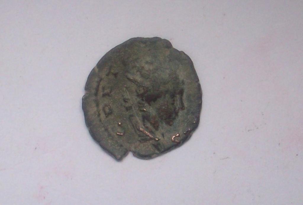Antoniniano de Tétrico II. Implementos Sacerdotales 102_5039