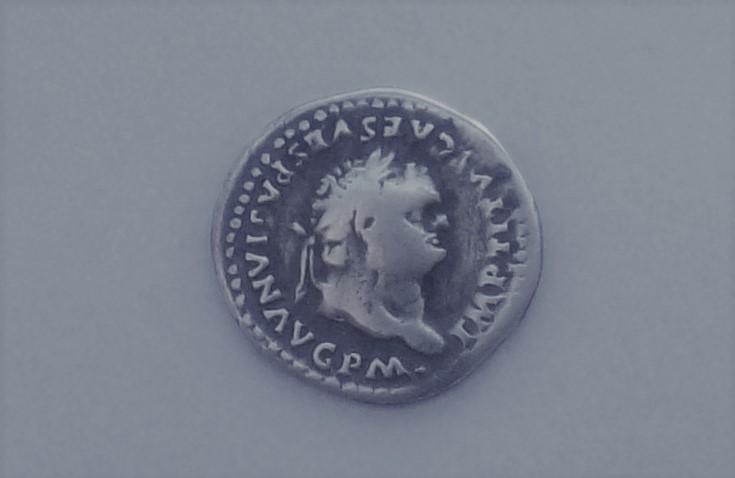 Denario de Tito. TR P IX IMP XV COS VIII P P, Trono de Júpiter. Roma 102_5168