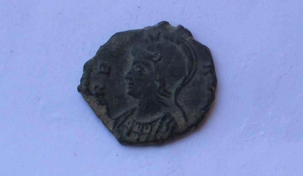AE3 conmemorativo de Roma. Roma (NOT IN RIC) 312