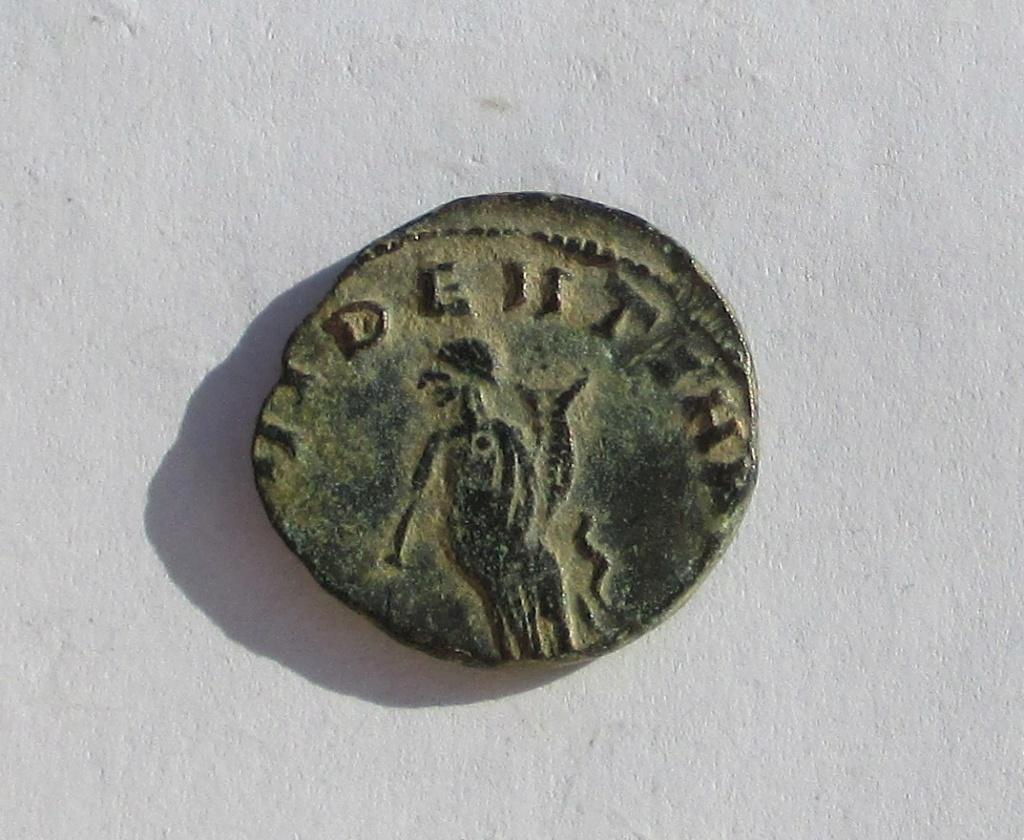 Antoniniano imitativo de Claudio II. PROVIDENTIA AVG Img_1134