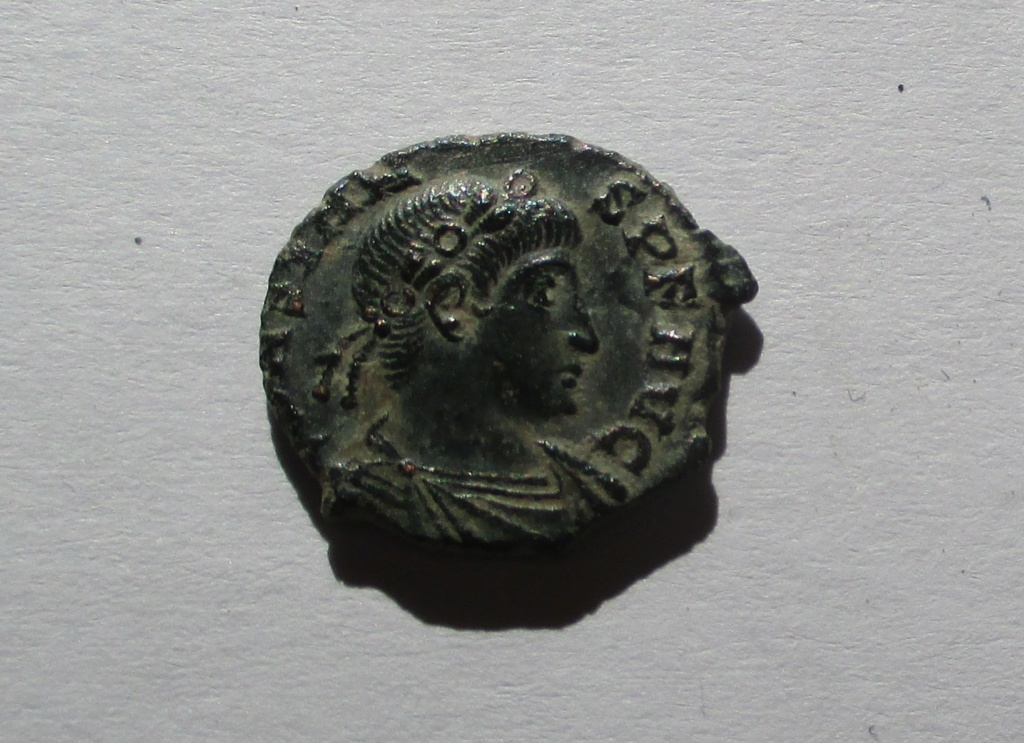 AE4 de Constante I. VICTORIAE DD AVGG Q NN. Roma Img_1410