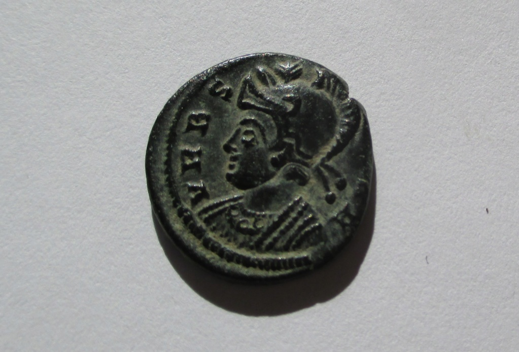 AE3 Conmemorativa de Roma. VRBS ROMA. Lyon Img_1433