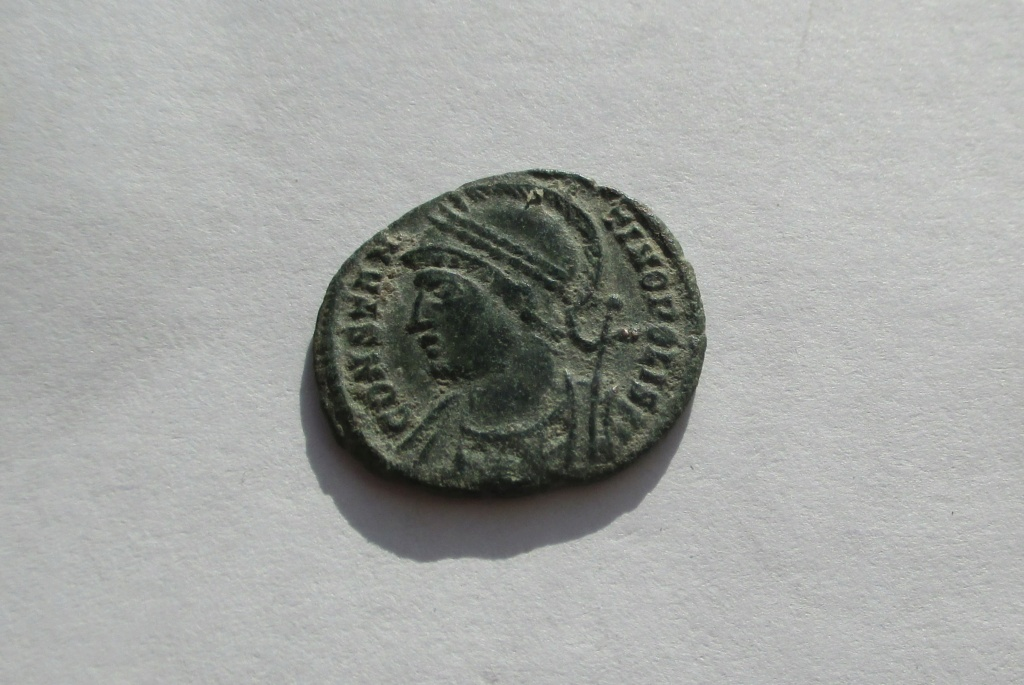 AE3 conmemorativo de Constantinopla. Arlés Img_1638
