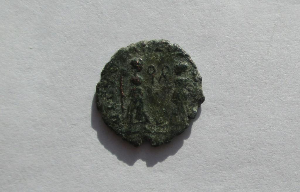 AE4 de Constante o Constancio II. VICTORIAE DD AVGG Q NN Img_1761
