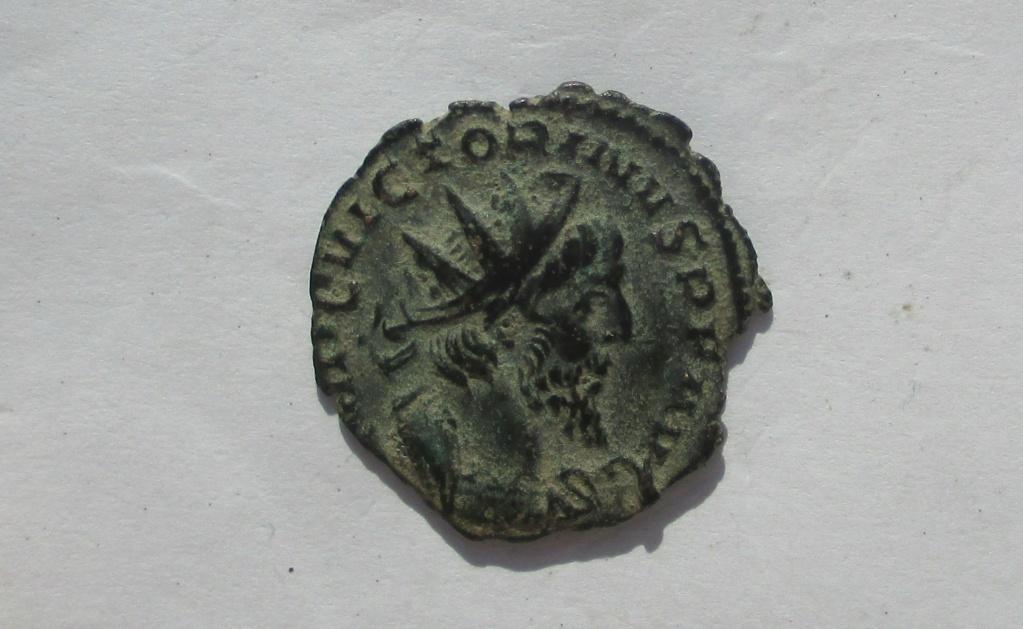 Antoniniano de Victorino. PIETAS AVG. Colonia  Img_2025