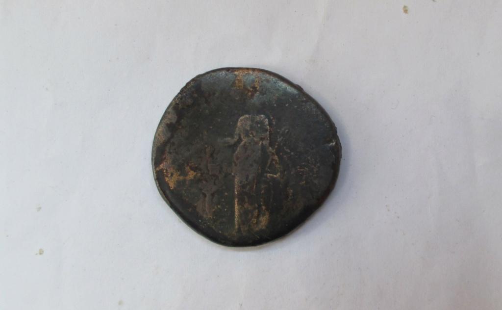 Sestercio de Cómodo. IMP II(I) COS II P P - S C. Minerva estante a izq. Roma. Img_2117