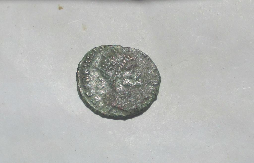 Antoniniano de Quintilo. PROVID AVG. Roma Img_2221