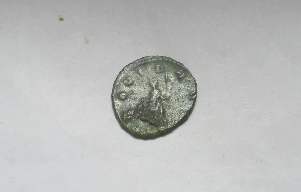 Antoniniano de Quintilo. PROVID AVG. Roma Img_2222